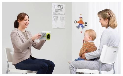 Первый в Екатеринбурге немецкий прибор для проверки зрения детей Plusoptix12